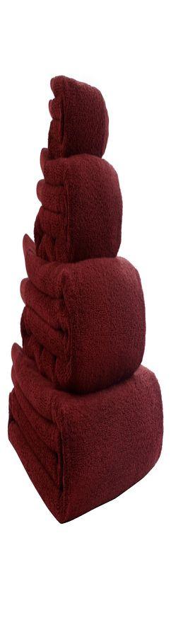 Полотенце банное бордового цвета фото