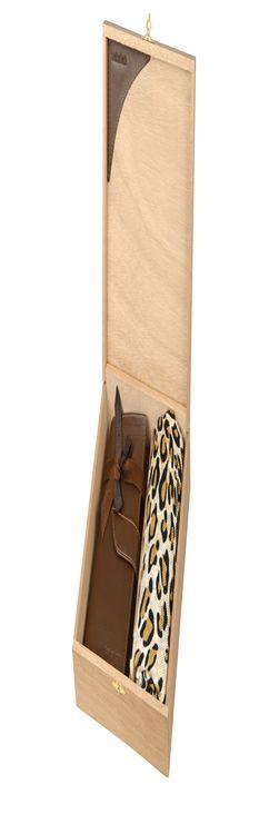 Набор: платок шерстяной, дамское портмоне фото