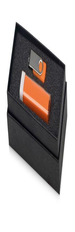 Набор Flashbank с флешкой и зарядным устройством фото