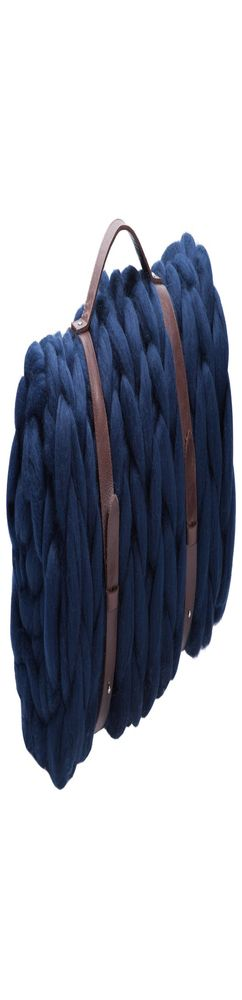 Плед крупной вязки Tracery, синий фото