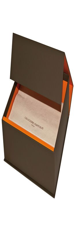 Подарочная коробка на магните с салфеткой для портфолио фото