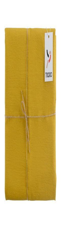 Скатерть на стол из умягченного льна с декоративной обработкой горчичного цвета фото