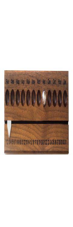 Вечный календарь, орех фото