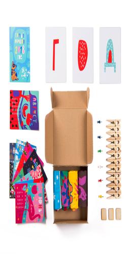 """Подарочный набор """"4 сезона"""", 4 пары тематических носков и авторский календарь фото"""