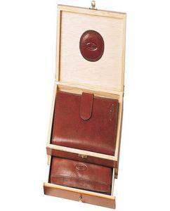 Набор Leather North: портмоне, кошелек из натуральной кожи фото