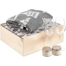 Набор Снежность: плед, два бокала для вина и две ароматические свечи, серый фото