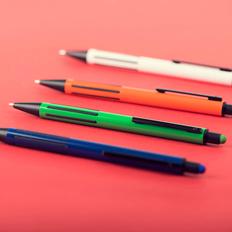 Ручка шариковая пластиковая со стилусом B1 Impress Touch, прорезиненный грип, белая фото