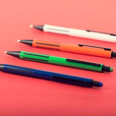 Ручка шариковая пластиковая со стилусом B1 Impress Touch, прорезиненный грип, красная фото
