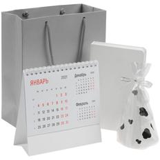 Набор подарочный Happy New: свеча Spotted Cow, календарь настольный Nettuno, ежедневник Basis Mini, белый фото