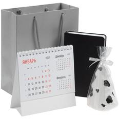 Набор Happy New: свеча Spotted Cow, календарь настольный Nettuno, ежедневник Basis Mini, черный фото
