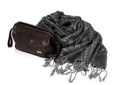 Набор женский: несессер, шарф, шоколадный/ серый фото