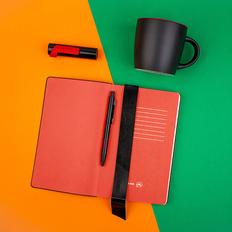 Набор подарочный Blackedition: кружка, блокнот, ручка, внешний аккумулятор 3000 mAh, черный / красный фото