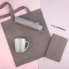 Набор подарочный Dustyrose: кружка, ручка, зонт, бизнес-блокнот, сумка, серый / светло-зеленый фото