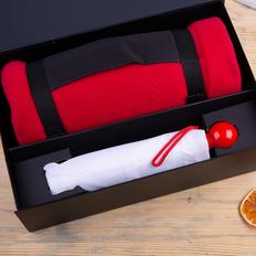 Набор подарочный Rainy Day: зонт складной механический, плед флисовый, черный / красный фото