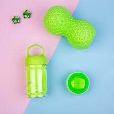 Набор подарочный Shapeme: массажер, тренажер, полотенце, коробка с наполнителем, зеленое яблоко фото