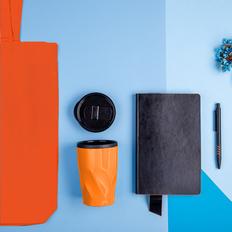 Набор подарочный Vibes4him: бизнес-блокнот, ручка, термокружка, сумка, черный/ оранжевый фото
