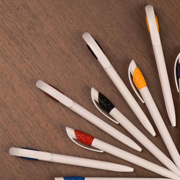 Ручка шариковая пластиковая Lecce Pen Golf, белая / зеленая - фото № 1