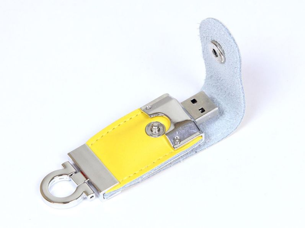 Флешка USB 2.0 кожаная 8 Гб в виде брелока, жёлтая  - фото № 1
