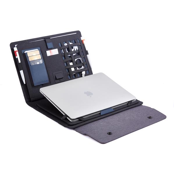 Папка мобильный офис с беспроводной зарядкой Powerfolio, 5000 mAh, серый/ черный - фото № 1