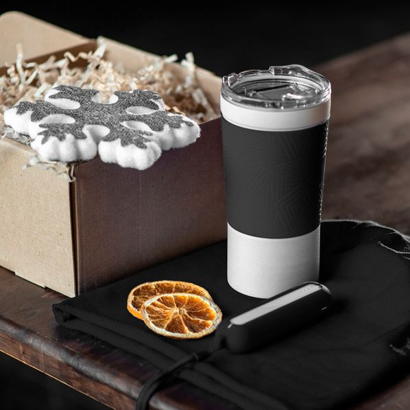 Набор Actionlife: термокружка 380 мл., шапка, зарядное устройство 2200 мАч, украшение, коробка, черный - фото № 1