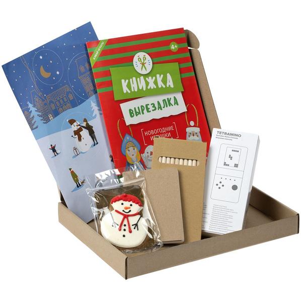 Набор детский Miracle Maker Maxi: книжка-вырезалка, стикеры, игровая консоль, блокнот, карандаши, печенье, крафт - фото № 1