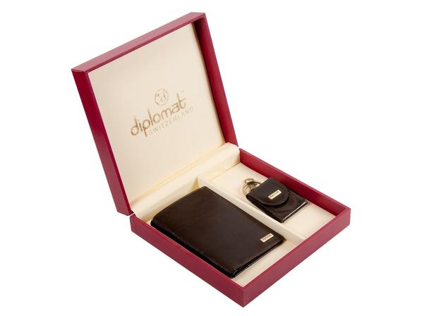 Набор мужской Diplomat: портмоне, брелок-монетница, коричневый - фото № 1