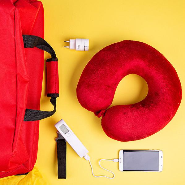 Набор подарочный Girls` Trip: подушка, багажные весы, кабель, сумка, красный - фото № 1