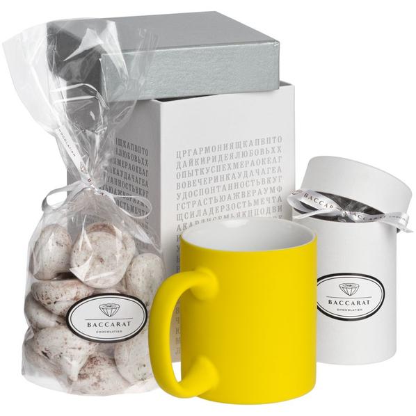 Набор Wishmaker: кружка Sippy, меренги Baiser, шоколадные дропсы Melt It, желтый / белый - фото № 1