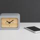 Часы с функцией беспроводной зарядки Stonehenge, серые / бежевые - фото № 4
