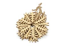 Набор деревянных снежинок, бежевый фото