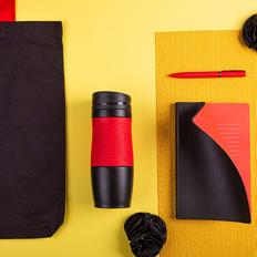 Набор подарочный Maybe`Devil: бизнес-блокнот, ручка, термокружка, сумка, чёрный/красный фото