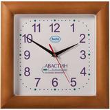 Часы настенные в деревянном корпусе фото