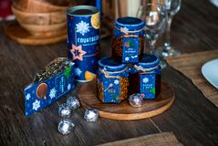 """Набор """"Малина-мята"""", варенье малиновое и иван-чай с мятой, сине-белая упаковка фото"""