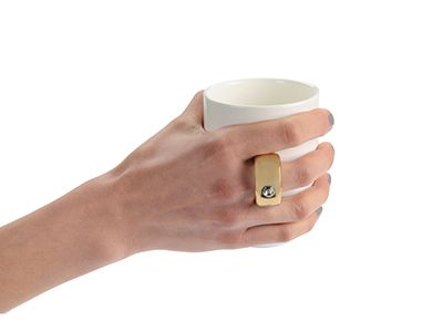 Кружка с ручкой в виде кольца 300 мл , белый/золотой фото