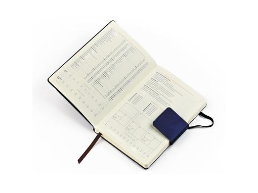 Ежедневник недатированный Zenith А5, темно-синий, бежевый блок, без обреза фото