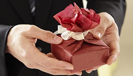Как выбрать бизнес-подарки для важных людей?